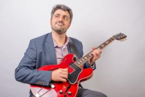 Renato Podestà, guitar