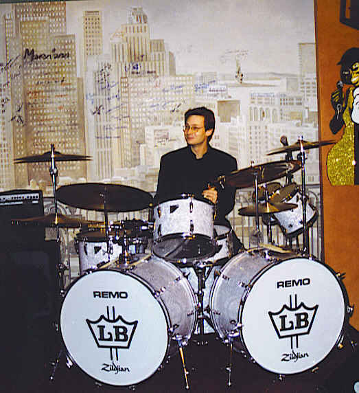 Nicolas Gilliet with Louie Bellson's drumset at Marians' Jazzroom Bern, 1996