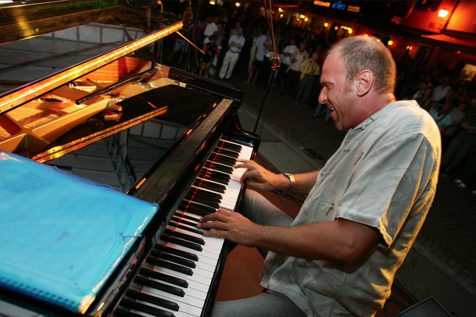 Dado Moroni, piano