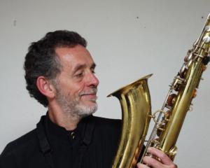 Thomas L'Etienne, sax & clarinet